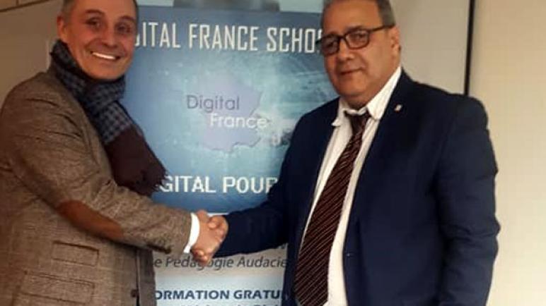فرنسا.. شبكة للمدارس الرقمية المجانية من تأسيس مغربي تفوز بجائزة تكافؤ الفرص