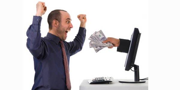 guadagnare online - Cerchi lavoro? Facebook (non) è il posto giusto!