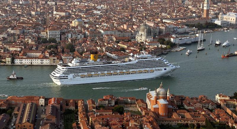 Crociera venezia2 - Aiuti a Venezia
