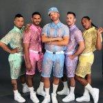 modelli-con-il-curioso-abbigliamento