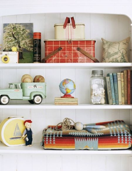 Vintage Kids rooms shelves on Remodelaholic