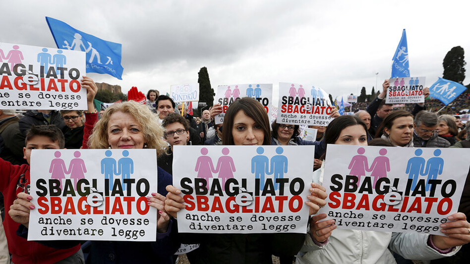 Italy: Tens of  thousands protests against same-sex unions