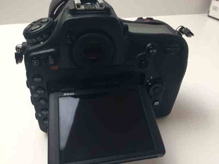 The Nikon D850 Unboxing and Review - Rear LCD Screen