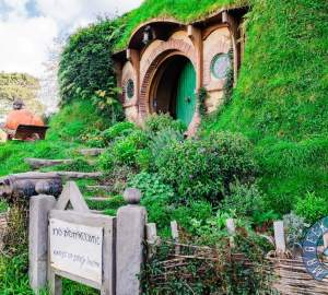 Bagg-End - Who Owns Hobbiton