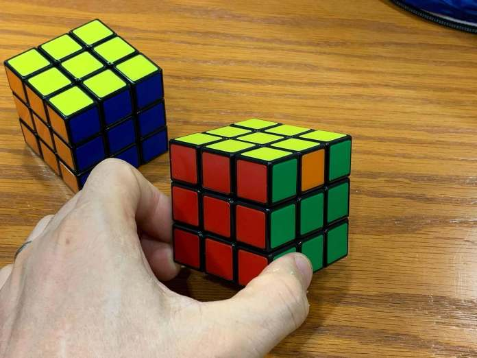 How to Solve a Rubiks Cube | Estra-side-completed