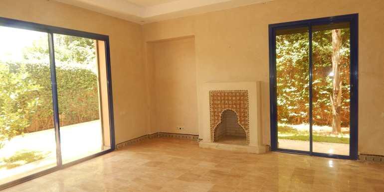 Villa à vendre sur la route de casa marrakech-2