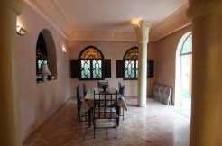magnifique villa meublée avec piscine sur la route de fès