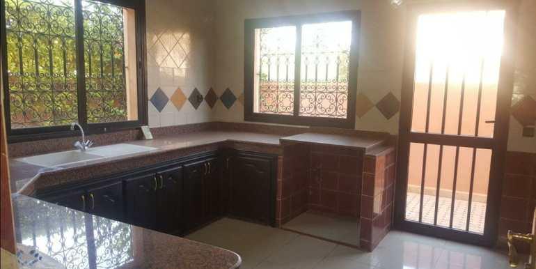 Villa à louer non meublé à marrakech la route de casa