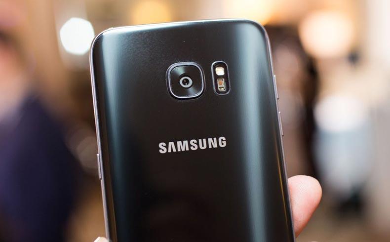 Samsung Galaxy S7 Arka Kapağı Nasıl Açılıyor?