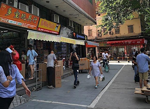 Tempat Borong Mainan Di Beijung Lu Guangzhou 03