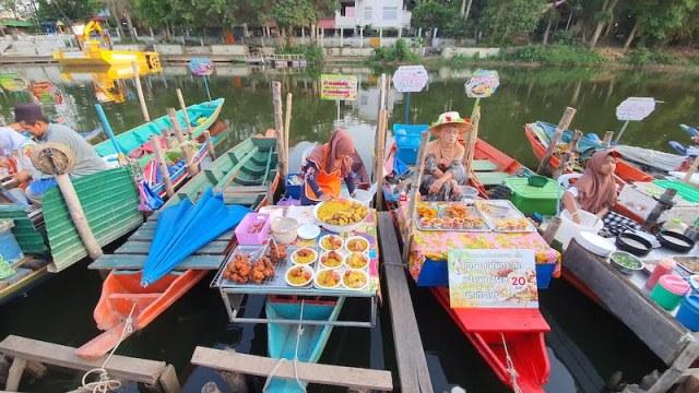 Khlong Hae Floating Market Hatyai Thailand 02