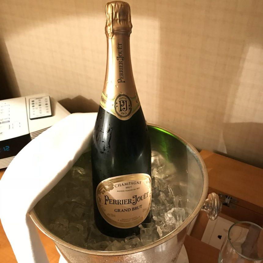 Conrad Hong Kong-Perrier Jouet Grand Brut NV 巴黎之花香檳