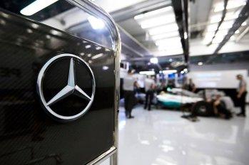 Tumi-Mercedes-AMG-Petronas-Formula-One-Sponsor