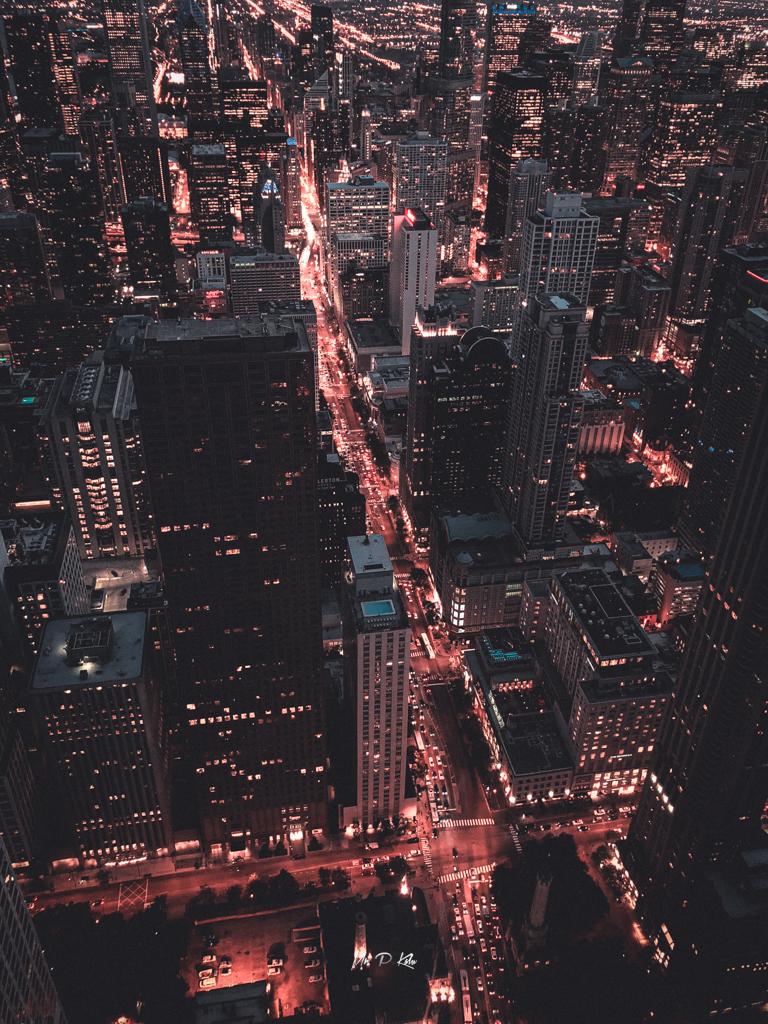 Image of downtown Chicago at dusk
