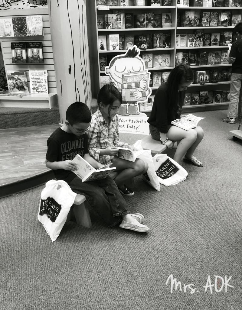 M'babies reading at B&N