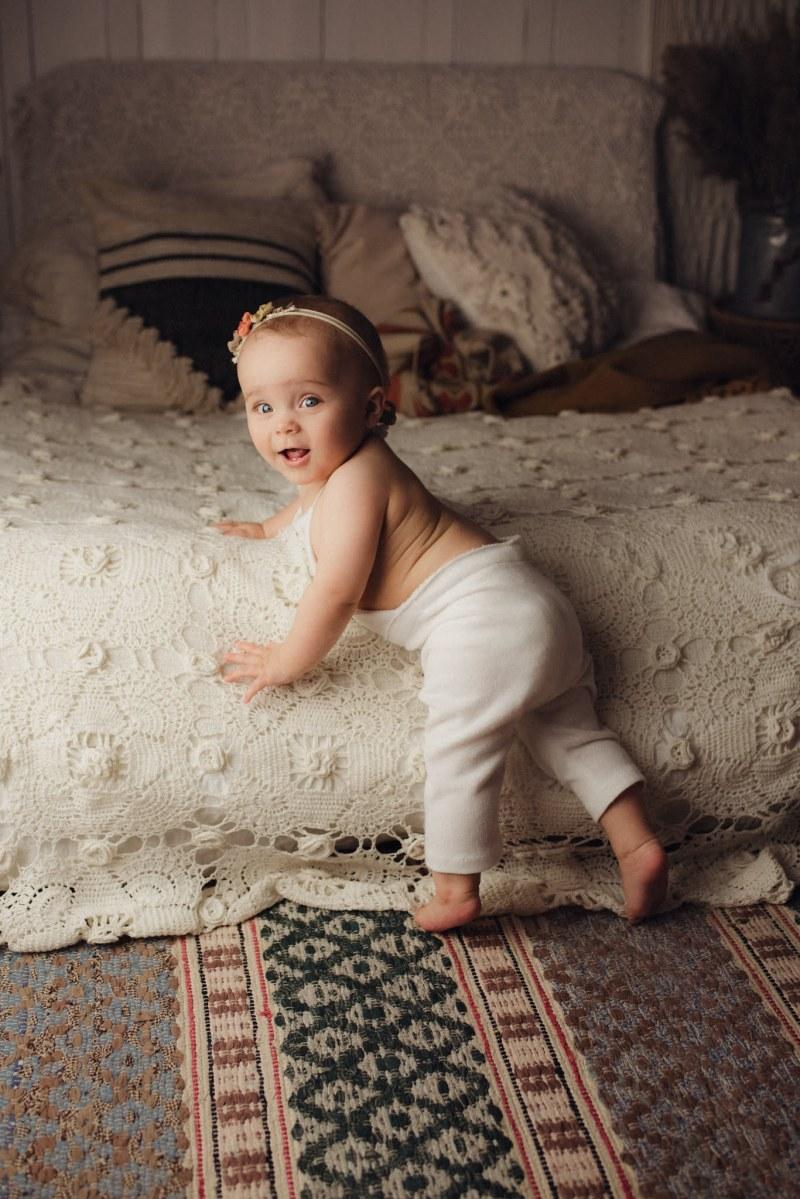 Barnfotografering Stockholm - Selma 9 månader 2