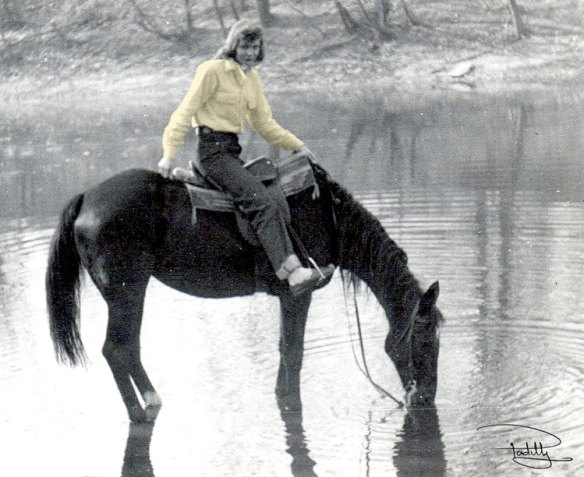 Woman-on-Horse-in-Lake-Padilly