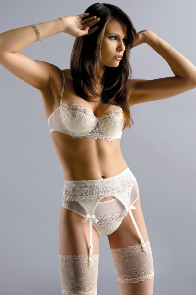 4c25b0dfc Finding your perfect Bridal Lingerie