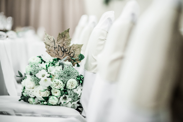 Winter wedding,  Vintage wedding, reception room, donington manor, bridal bouquet, mark pugh photography
