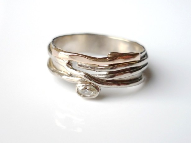 Handmade jewelllery, Precious Metal  jewellery,  gemstone jewellery,  Susanna Hanl, engagement ring