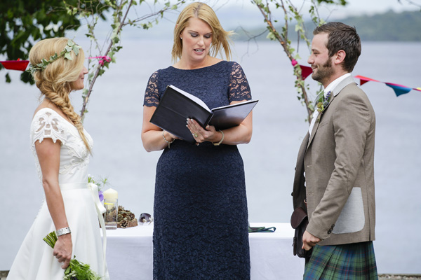 outdoor ceremony, loch lomond, the cruin, melanie leckie humanist, silver photography