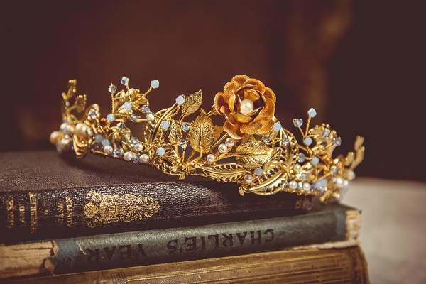 Samantha Walden,  Mary Rose Tiara, Image by Andy Platts, historically inspired tiara, vintage tiara