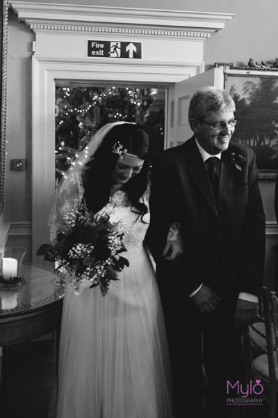 bride and father of the bride entrance, mylo photography