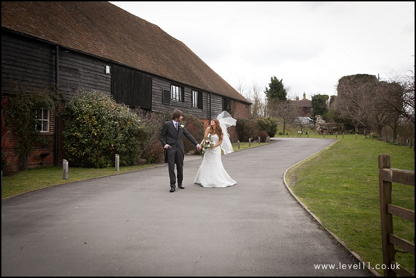 bride and groom, cooling castle barn, level 11 photography