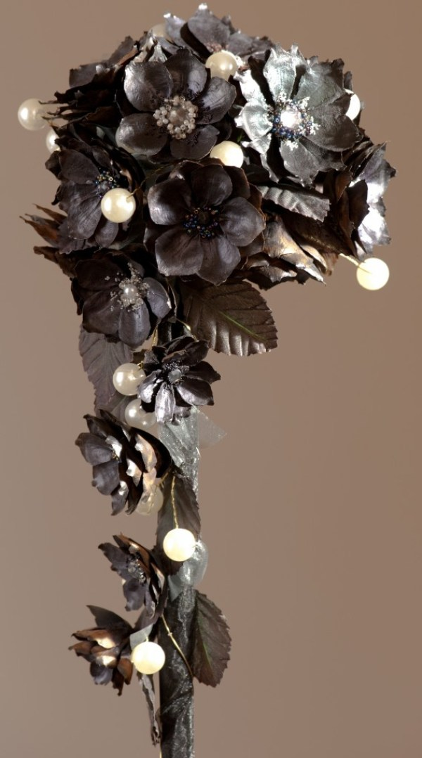 whitby jet bouquet, paper bridal flowers, jackdaw decor, image - H2 Photography