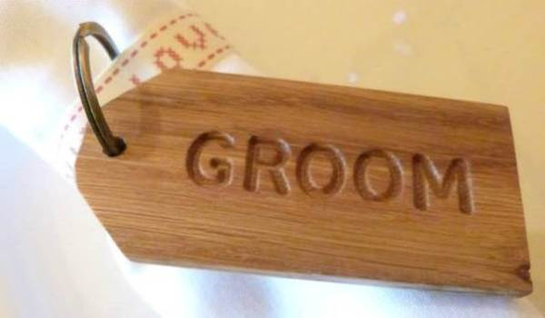 Betty&Dodge, Keyring Wedding Favours, engraved oak products
