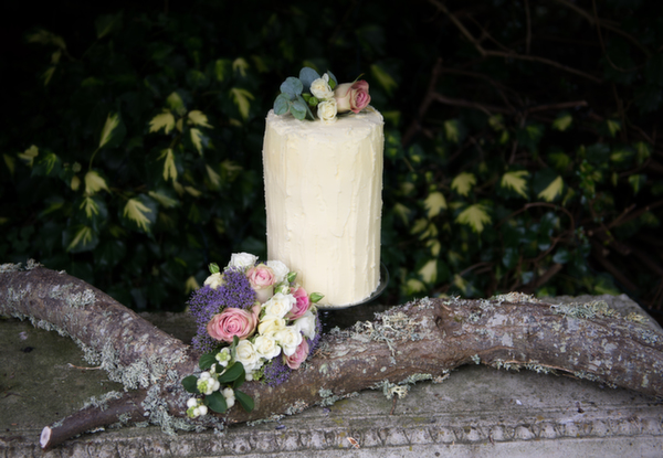 wedding cakes, wedding flowers, lotti and lu, cakes and flowers