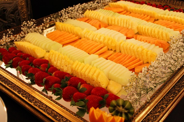 fruit plate , Fruit Carvings, Fruit Palm Trees, Chocolate Strawberry Towers, Edible Fruit Bouquets, Strawberry Bouquets, Bride & Groom Gifts fruits carvings scotland, fruit displays scotland, fruit displays glasgow, fruit carvings glasgow