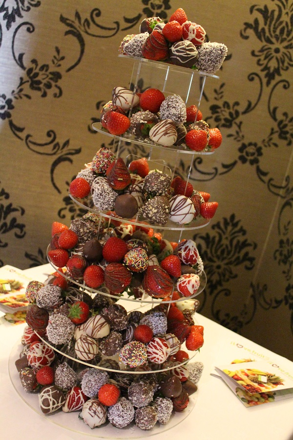 strawberry tower, Fruit Carvings, Fruit Palm Trees, Chocolate Strawberry Towers, Edible Fruit Bouquets, Strawberry Bouquets, Bride & Groom Gifts fruits carvings scotland, fruit displays scotland, fruit displays glasgow, fruit carvings glasgow
