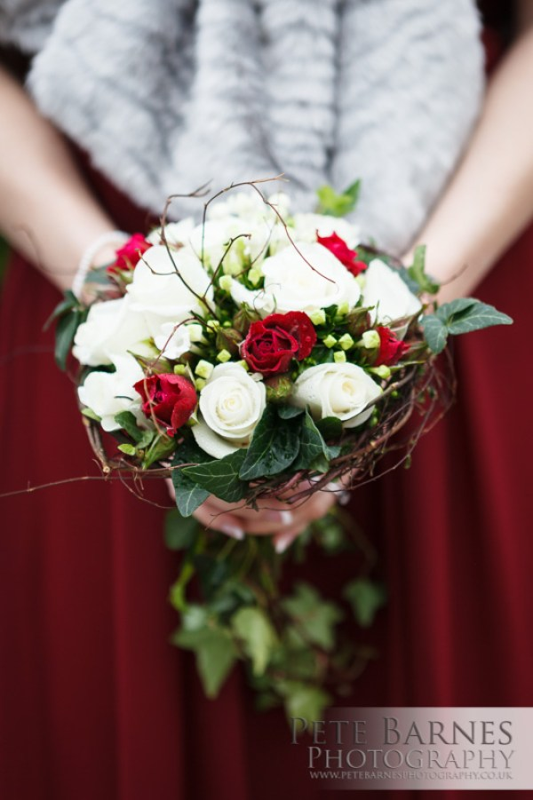 Wedding Photography at Abbeywood Estate, pete barnes photo, red and cream rose bouquet