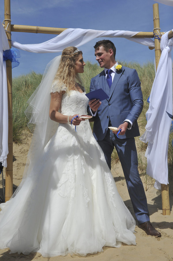 Rich page - Page Creations - Beach Wedding (43)