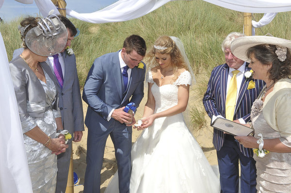 Rich page - Page Creations - Beach Wedding (44)