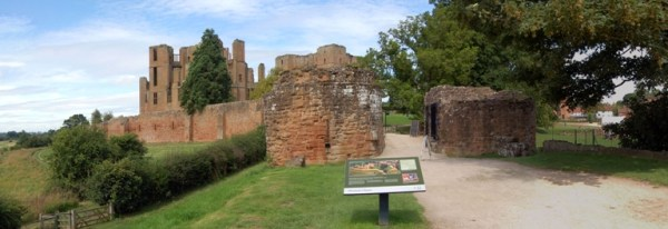 Blog_KenilworthCastle[1]