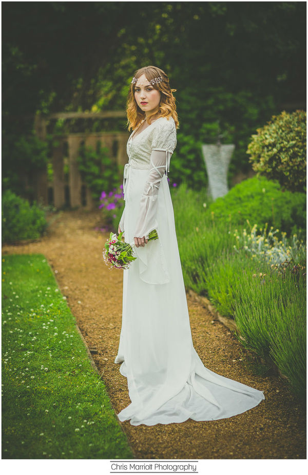blossom-and-belle-bridal-wear-image-chris-marriot-photography (17)