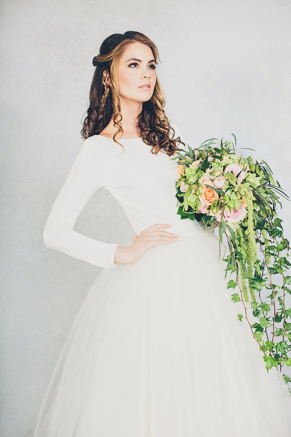 elizabeth-stuart-bridal, rosemary-gown, image-jessica-withey-photography