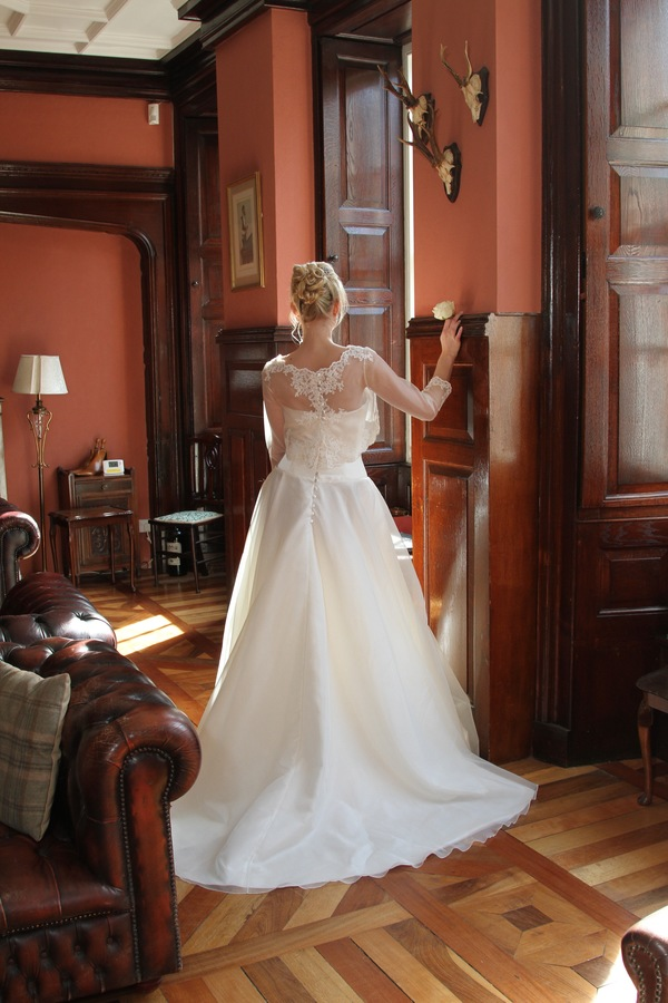 lauren-gown, touch_of_glamour_collection_2016, qiana_bridal, velvet storm photography
