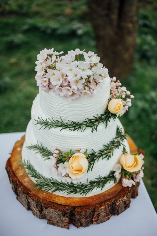 rustic wedding cake, backyard wedding, styled shoot, image charlotte bryer ash
