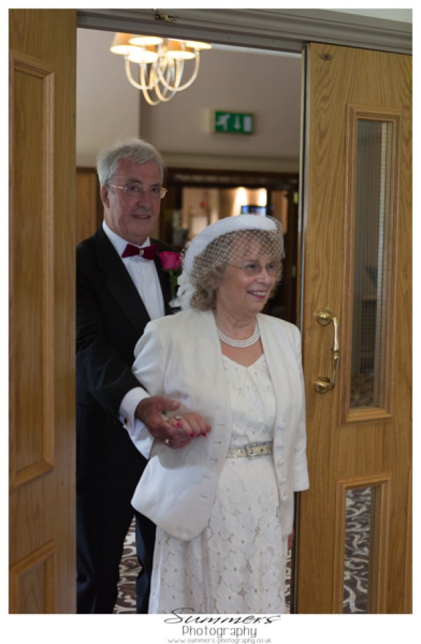 summers-photography-intimate-wedding-frimley-house-hotel-surrey (85)