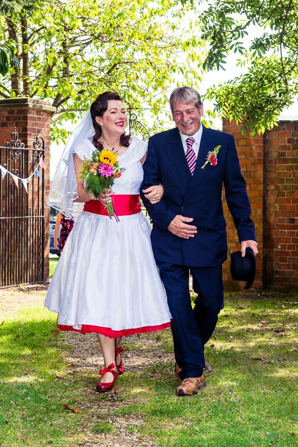 giddy-kipper-giddy-wedding-lincolnshire-wedding-harvey-and-harvey-photography (43)