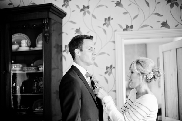 © jamie penfold photography 2015 - www.memoriesandemotions.co.uk, groom getting ready
