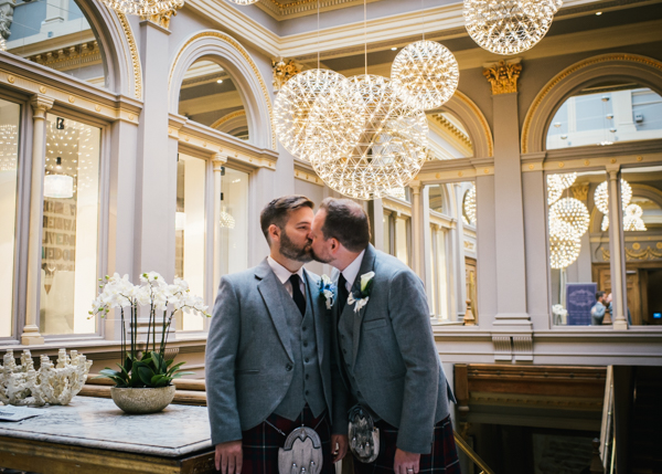 tommy-cairns-photo-glasgow-wedding-same-sex-marriage-glasgow-registry-office-the-corinthian-the-bothy (49)