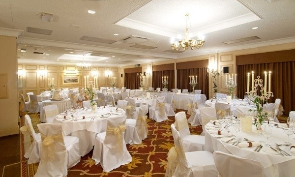 corus-burnham beeches hotel, wedding venues, reception set up