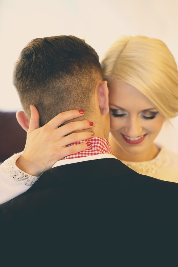 holly-cade-photography-winter-wedding-Dornellie-Spinnaker-Hotel-Isle-of-Wight (21)