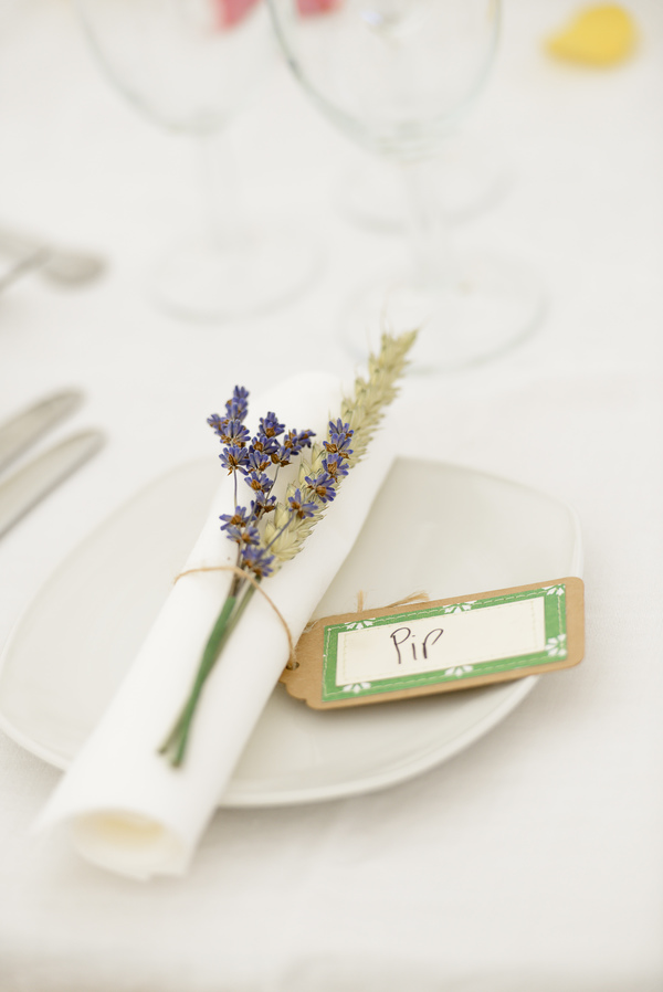 shropshirepetalscom_wheat_and_lavender_table_decoration, natural christmas decoration