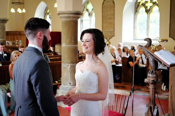 Cris-Lowis-photography-Staffordshire wedding-Mytton-and-Mermaid-pub (14)