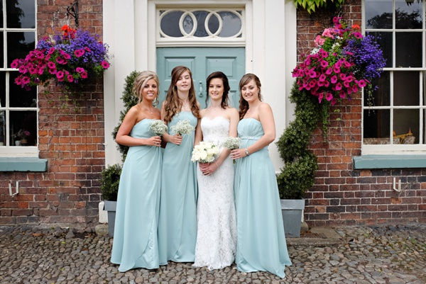 Cris-Lowis-photography-Staffordshire wedding-Mytton-and-Mermaid-pub (27)